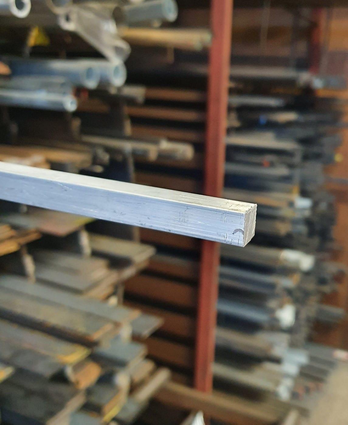 Aluminium fyrkantstång (3m)