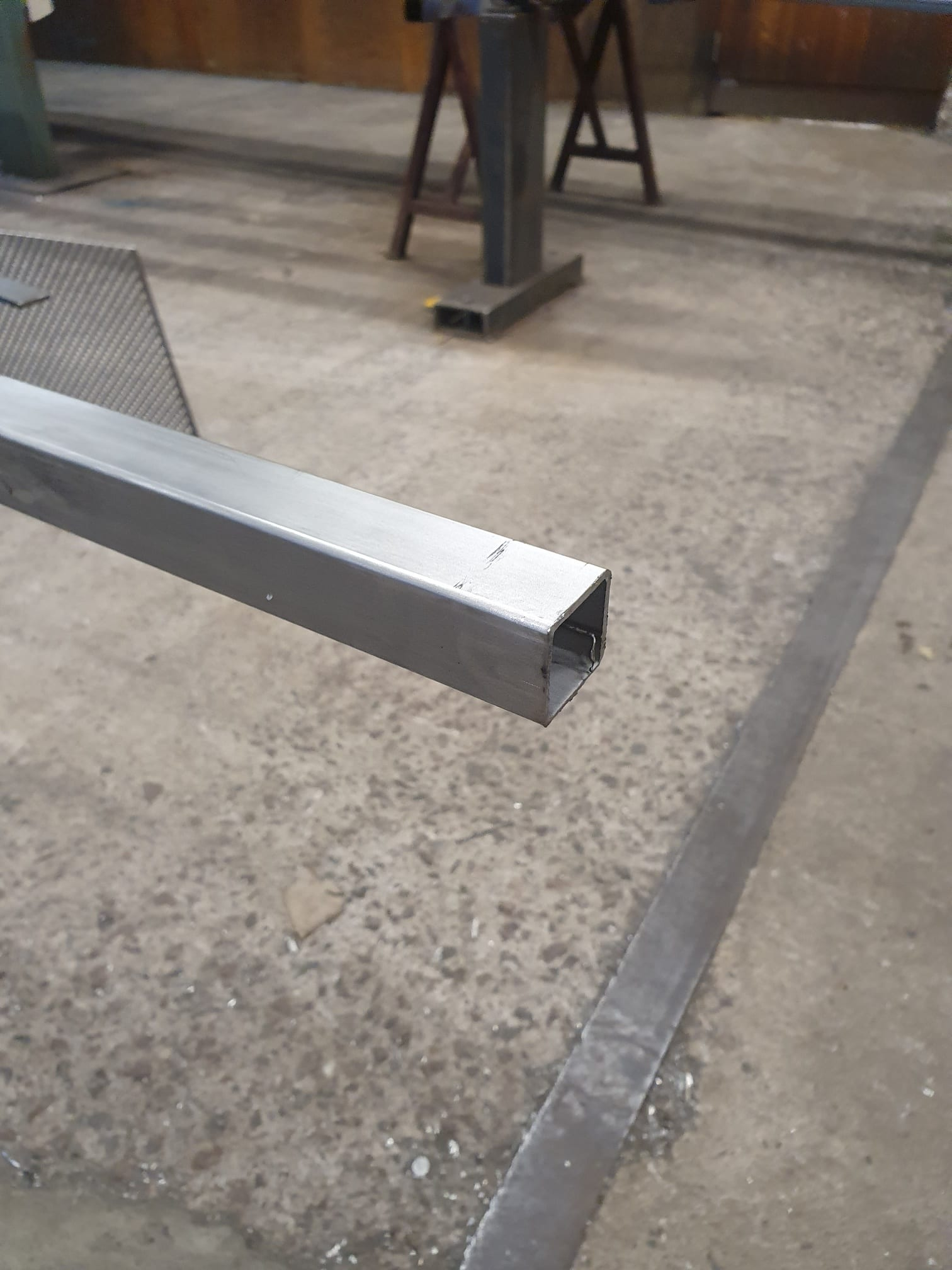 Aluminium kvadratiskt rör